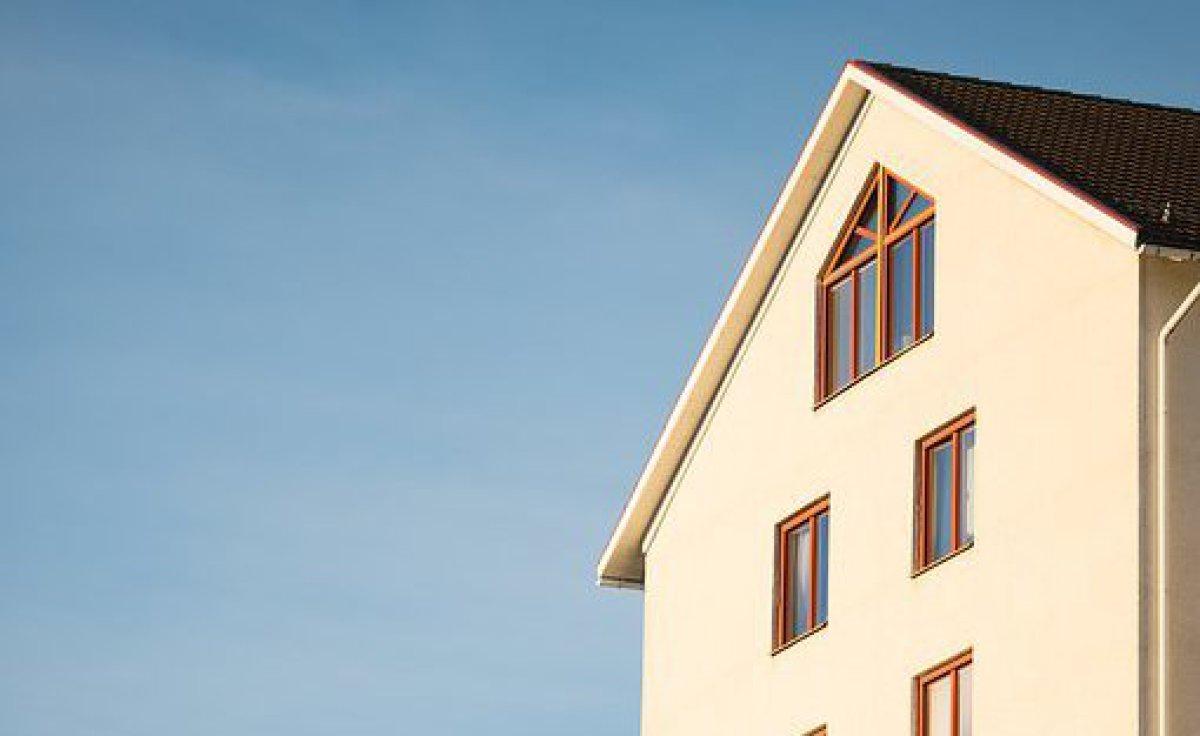 Bastian Bay erstellt Kurzbewertungen für Immobilien